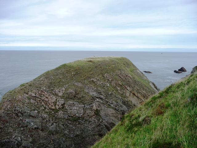 Tronach Point (Cliff Fort) by drewbhoy